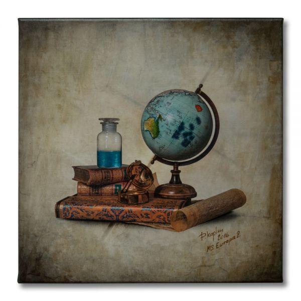 UNIKAT: Stillleben mit Kompass und Globus